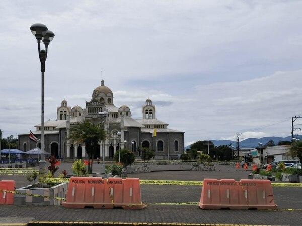 Este miércoles, la Municipalidad de Cartago volvió a cerrar espacios públicos en el intento de evitar reuniones de personas. Foto Keyna Calderón