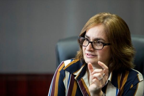 Irene Cañas Díaz, presidenta ejecutiva del ICE, durante una entrevista el martes anterior en la sede del Instituto en San José. Fotografía: Alejandro Gamboa Madrigal