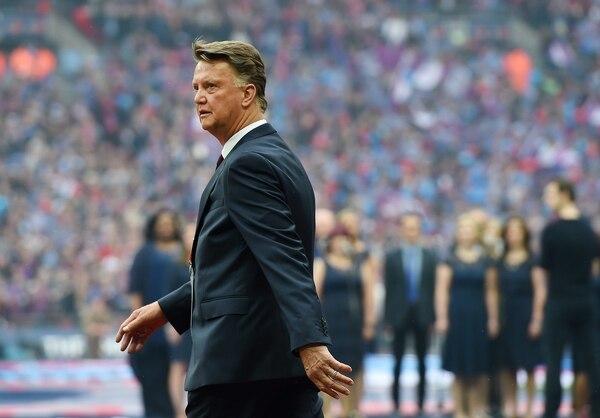Louis Van Gaal no cumpliría los tres años de contrato por los que firmó en un inicio.