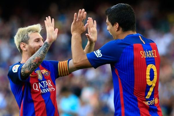 Lionel Messi y el uruguayo Luis Suárez, autores de dos y tres goles respectivamente fueron las máximas figuras del Barcelona.