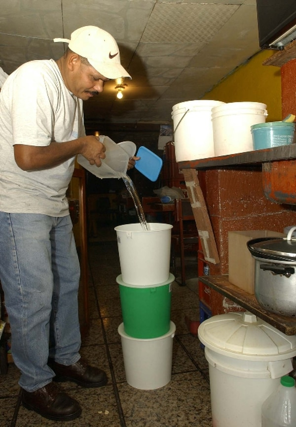 El AyA recomienda a la población afectada tomar las medidas para sufrir la menor afectación. | ARCHIVO.