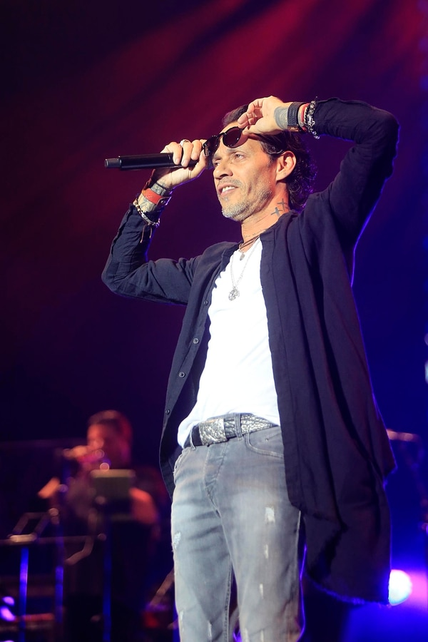 El boricua cantó 'Flor pálida', 'Hasta ayer' y 'Vivir mi vida', lo que hizo que el público se levantara de sus asientos. Fotografía: Rafael Pacheco.