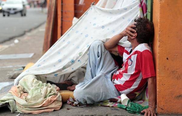 El alcoholismo y la drogadicción a sustancias como el crack son las principales causas que empujan a cada vez más personas a las calles, según han identificado los gobiernos locales. | ALONSO TENORIO.