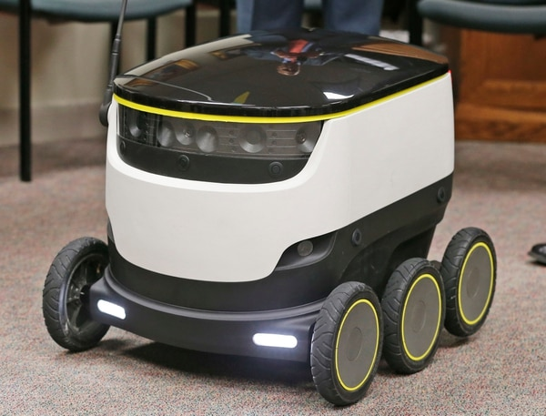 Un robot como este podría entregar emparedados, abarrotes o paquetes en Virginia, EE. UU.
