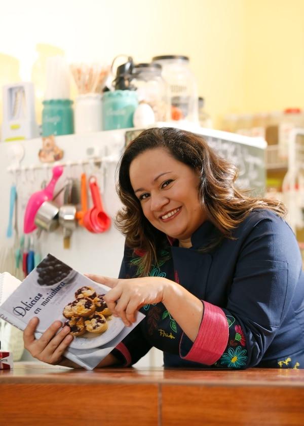 El emprendimiento de Nancy Díaz se llama Pecados Dulces. Se especializa en queques, galletas y demás bocadillos. Foto: Albert Marín.