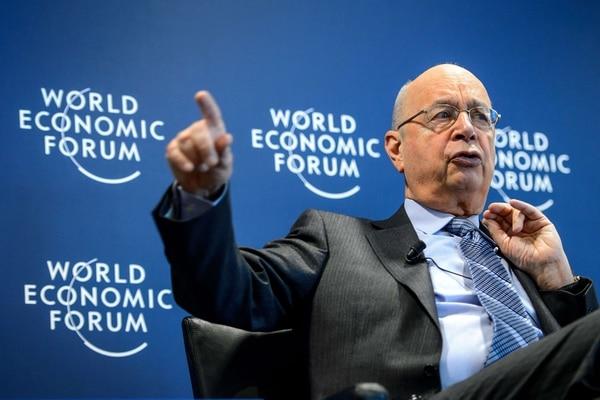 Klaus Schwab, presidente del Foro Económico Mundial, durante una conferencia de prensa en la que se anuncia la reunión de Davos.