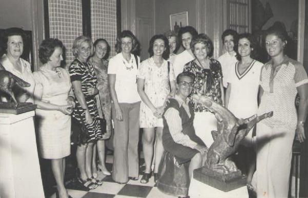 En 1973, visitó en Uruguay la Casa Museo del escultor uruguayo Severino Pose. En esta imagen, Talila departe con sus amigas y la viuda del artista. Foto: Cortesía de Sylvia Puente de Oyenard.