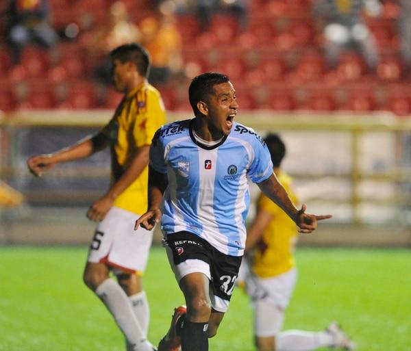 Lucas Emanuel es la principal figura ofensiva con que cuenta el equipo de la Universidad de Costa Rica en este momento.   ARCHIVO