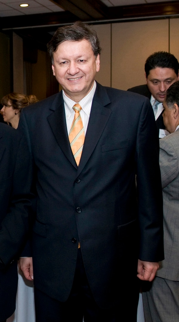 Marco Vinicio Ruiz fue el designado para China por el gobierno de Laura Chinchilla y sería sustituido por Ricardo León, escogido por Solís.   ARCHIVO