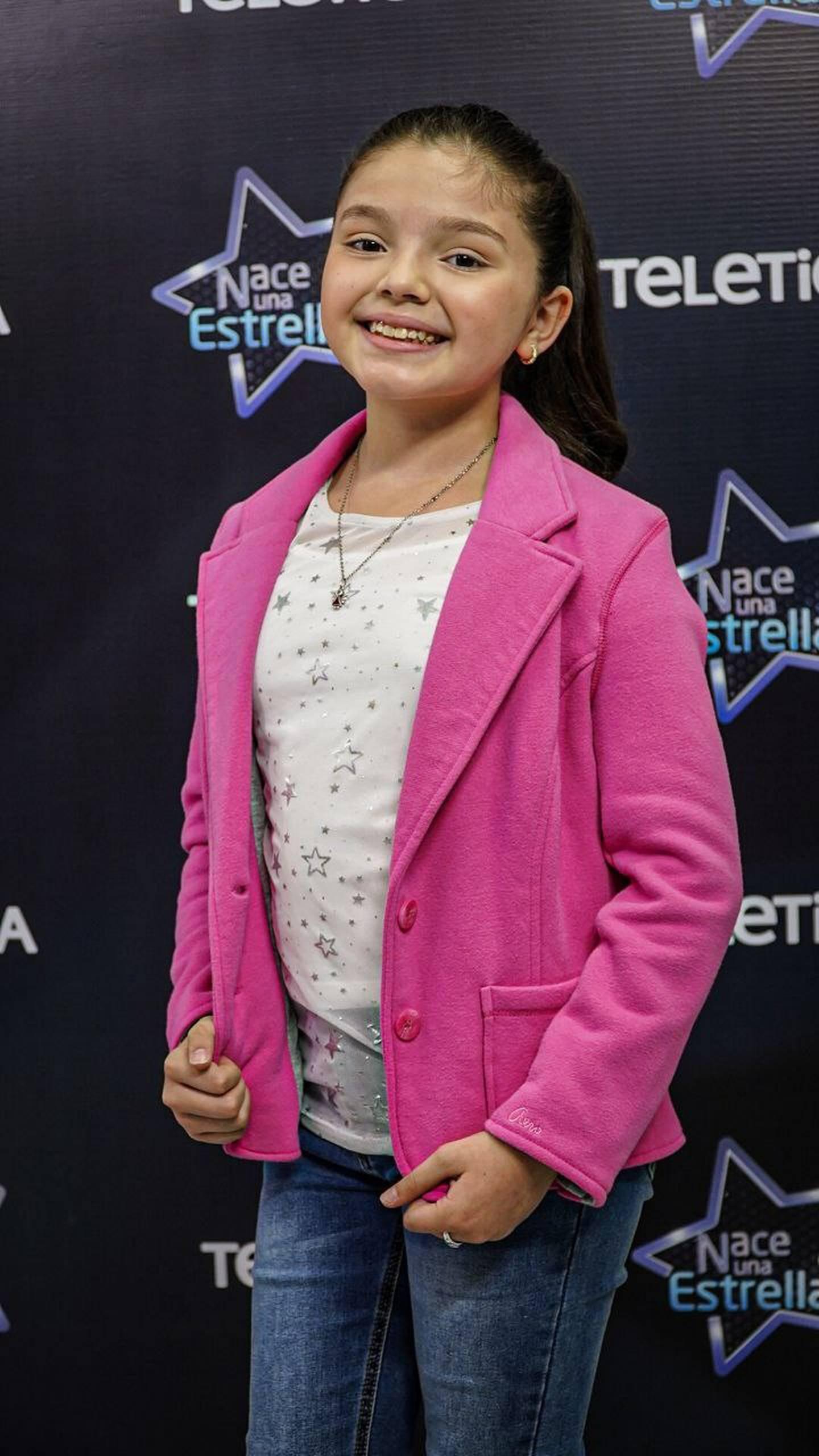 Sara Mariángel Barboza: vecina de Guadalupe, San José. Tiene 10 años de edad. Le gustan las canciones de pop, baladas, rancheras y la música de películas.