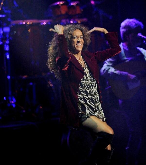 Toda energía, así fue Rosario Flores en su concierto en Costa Rica.