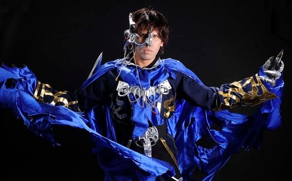 Bryan Duarte se mete en la piel de Syaoran, personaje de la serie 'Tsubasa Chronicles'. | FOTO: EYLEEN VARGAS
