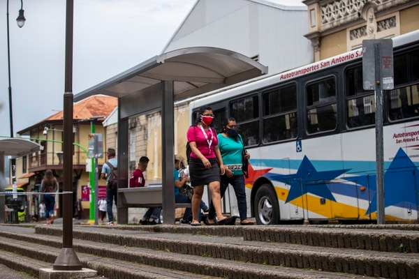 Gobierno valora extender subsidio económico por tres meses más a una selecta población afectada económicamente por la pandemia del covid-19. Foto: José Cordero.