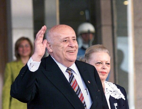 Político murió tras una insuficiencia cardíaca provocada por una infección respiratoria.