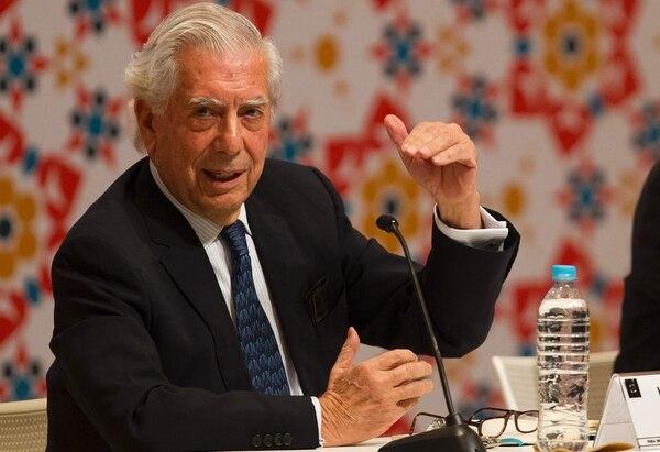 Mario Vargas Llosa durante la inauguración de la Feria del Libro de Guadalajara, 2016.