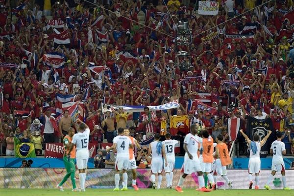 Costa Rica empezó a enamorar a sus seguidores tras la primera victoria en el Mundial ante Uruguay, por 3-1 en el grupo D, el 14 de junio en el estadio de Fortaleza.   AFP