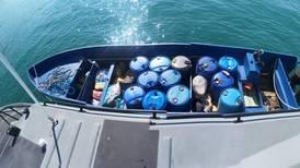 Tripulantes abandonan embarcación con una casi una tonelada de droga en Osa