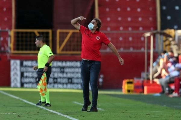 El técnico Andrés Carevic aseguró que el trabajo diario es la clave del éxito de los rojinegros. Fotografía: José Cordero