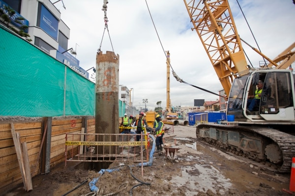 Así se realiza la construcción de las estaciones del metro en Quito, Ecuador.