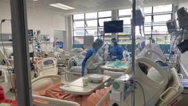 'Covid es casi un monstruo', afirma fisiatra de hospital de Alajuela