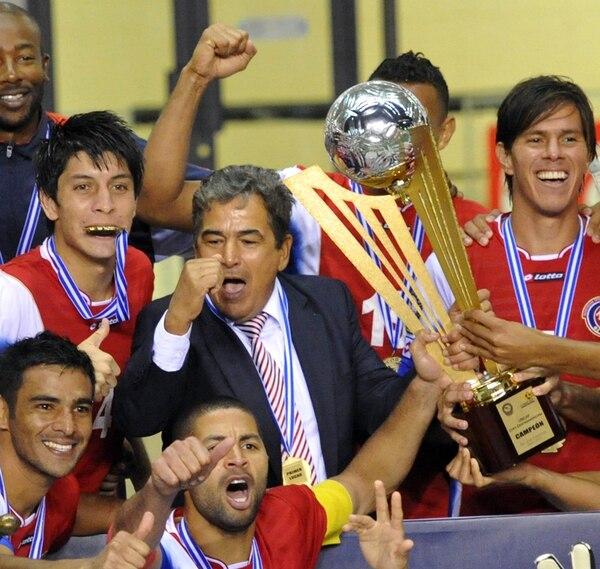 Jorge Luis Pinto ganó el título de la Copa Uncaf 2013. | ARCHIVO