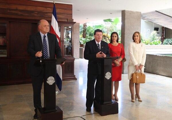 La reunión con el PIN, efectuada este lunes, fue el último de los encuentros entre el nuevo gabinete y las fracciones legislativas. Foto: Graciela Solís.