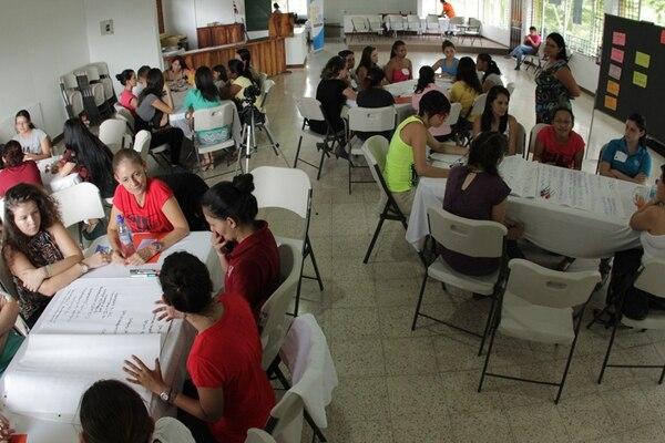 En la maratón de desarrollo de aplicaciones participarán 43 mujeres, distribuidas en 10 grupos diferentes.   COOPERATIVA SULA BATSÚ PARA LN.