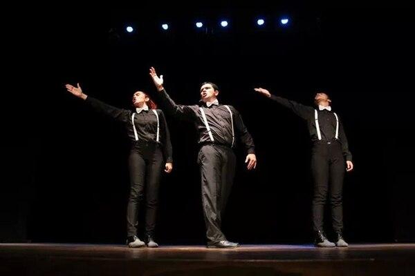 Andrea Chacón, Greivin Castillo y Andrea Sibaja, de AGA Cuentos, se presentan en el Teatro Nacional este martes.