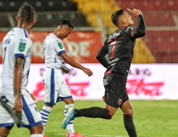 Jurguens Montenegro consiguió su primer gol en el torneo. Fotografía: John Durán