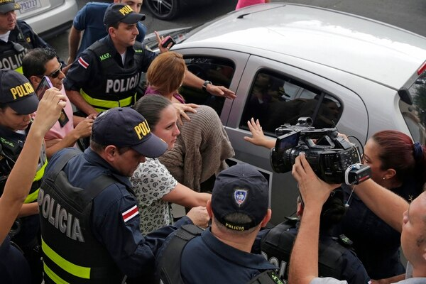 Una mujer siria de apellido Bustati, de 31 años, fue detenida el 19 de noviembre en el centro de San José. Ahora esta libre. | ARCHIVO LN