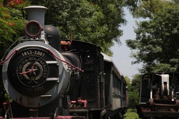 El sistema del Ferrocarril Carlos Antonio López, inaugurado en 1861, fue uno de los primeros de América.