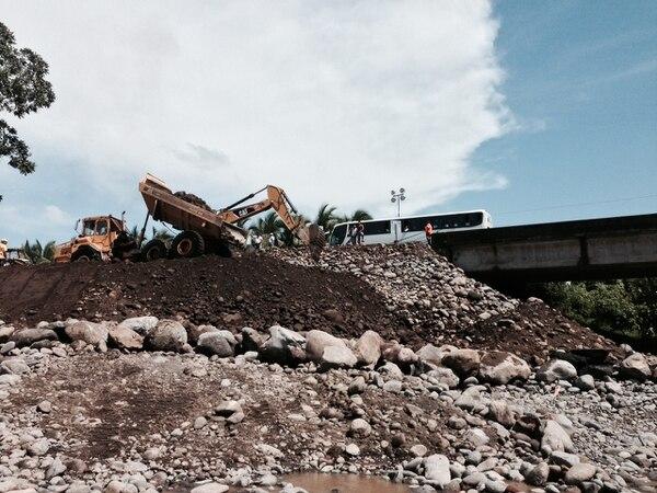 El paso a Limón por ambos carriles quedó restablecido. Las obras siguen en el relleno.
