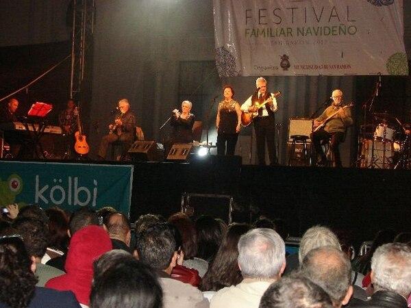 El grupo español enamoró a cientos de fanáticos costarricenses que los fueron a escuchar. Daniel VásquezEncantados.