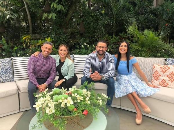 Randall Salazar, Thais Alfaro, Omar Cascante y Nancy Dobles son el equipo de 'Buen día'. Alfaro no estará en Guanacaste por vacaciones. Fotografía: Facebook de Buen día.