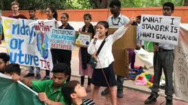 """Activista de 8 años de India: """"Lo peor del cambio climático es educar a los adultos"""""""