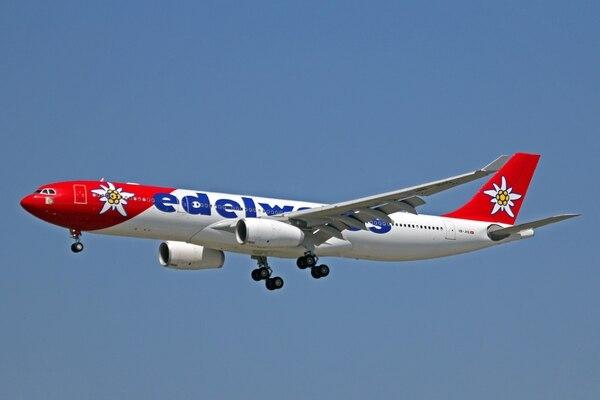 La aerolínea dice que tiene vuelos directos desde Zurich, Suiza, a más de 40 destinos en el mundo.