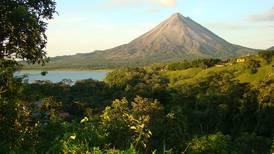 'El volcán Arenal volverá a su actividad eruptiva'
