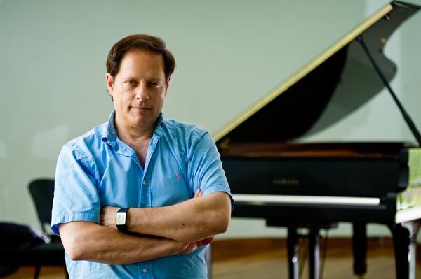 Debussy. En unas semanas, Michael Lewin presentará disco. Rafael Murillo.