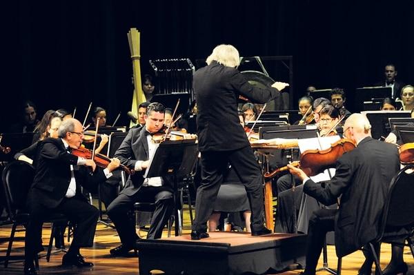 Exigente. En el VI Concierto de Temporada de la Orquesta Sinfónica Nacional se interpretaron complejas composiciones de Gustav Mahler. Jonathan Jiménez.