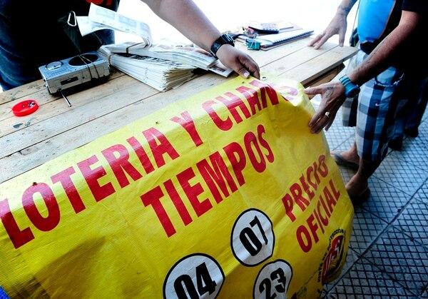 La JPS dice carecer de suficientes inspectores para verificar que los vendedores solo comercializan las loterías legales. | JOHN DURÁN