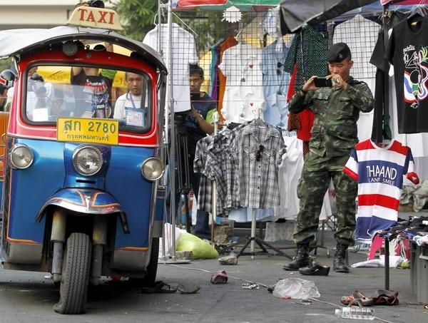 El incidente ocurrió la tarde del domingo en el área comercial de Ratchaprasong.