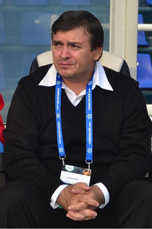 Óscar Ramírez fue asistente, dirigió en Segunda y al Santos, antes de comandar a la Liga. | JAM MEDIA