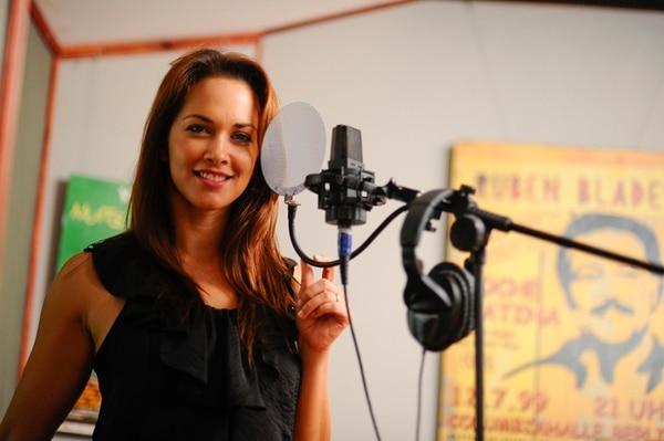 Tamela Hedström trabaja en nuevo disco latino. Foto: Luis Navarro