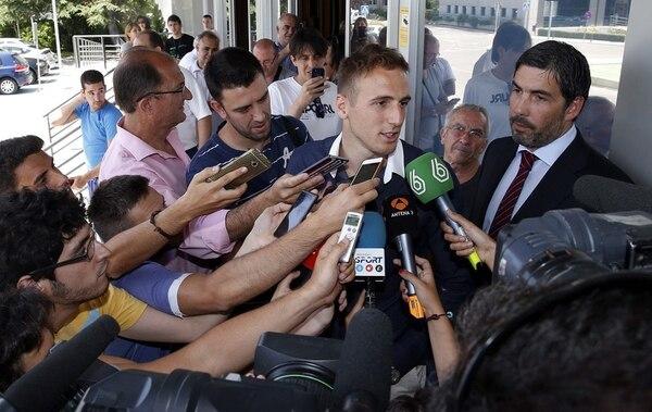El guardameta esloveno Jan Oblak fue sometido a pruebas médicas antes de incorporarse a los trabajos con el Atlético de Madrid.