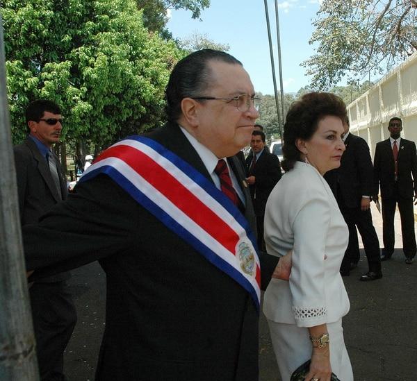 El expresidente de la República Abel Pacheco anunció su apoyo al candidato presidencial del PUSC, Rodolfo Hernández.