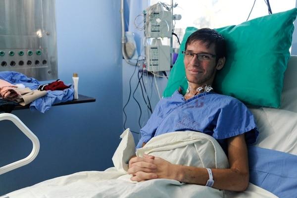 En enero, Alfaro recibió a La Nación desde su cama de hospital; dos semanas después fue dado de alta, pero regresó por complicaciones. | LUIS NAVARRO