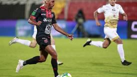 Marcel Hernández recibió siete puntadas por codazo
