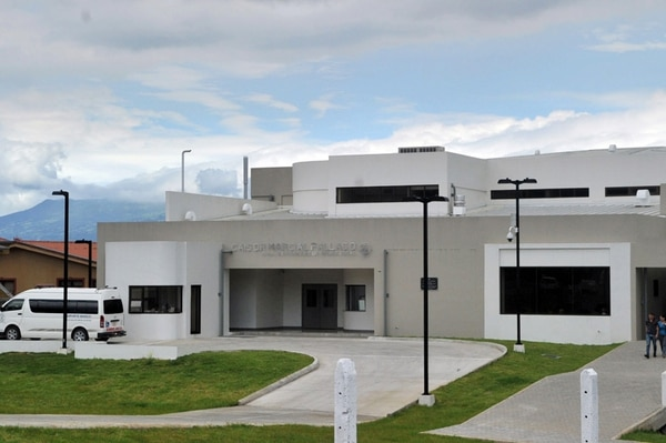 El Centro de Atención Integral de Salud (CAIS) de Desamparados, inaugurado en noviembre del 2012, requirió una inversión de ¢7.000 millones. La Caja utilizó recursos propios para financiar la obra. | ALONSO TENORIO
