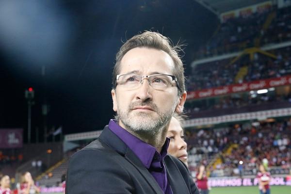 Juan Carlos Rojas, presidente de Saprissa, dijo que espera un estadio lleno para el clásico. Ayer iba por 60% la venta de entradas.   RAFA PACHECO