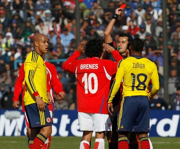 Osses expulsó a Randall Brenes en la Copa América 2011. | ARCHIVO